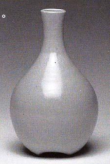 Bulb vase. Freycinet ash yellow glaze, 7in.