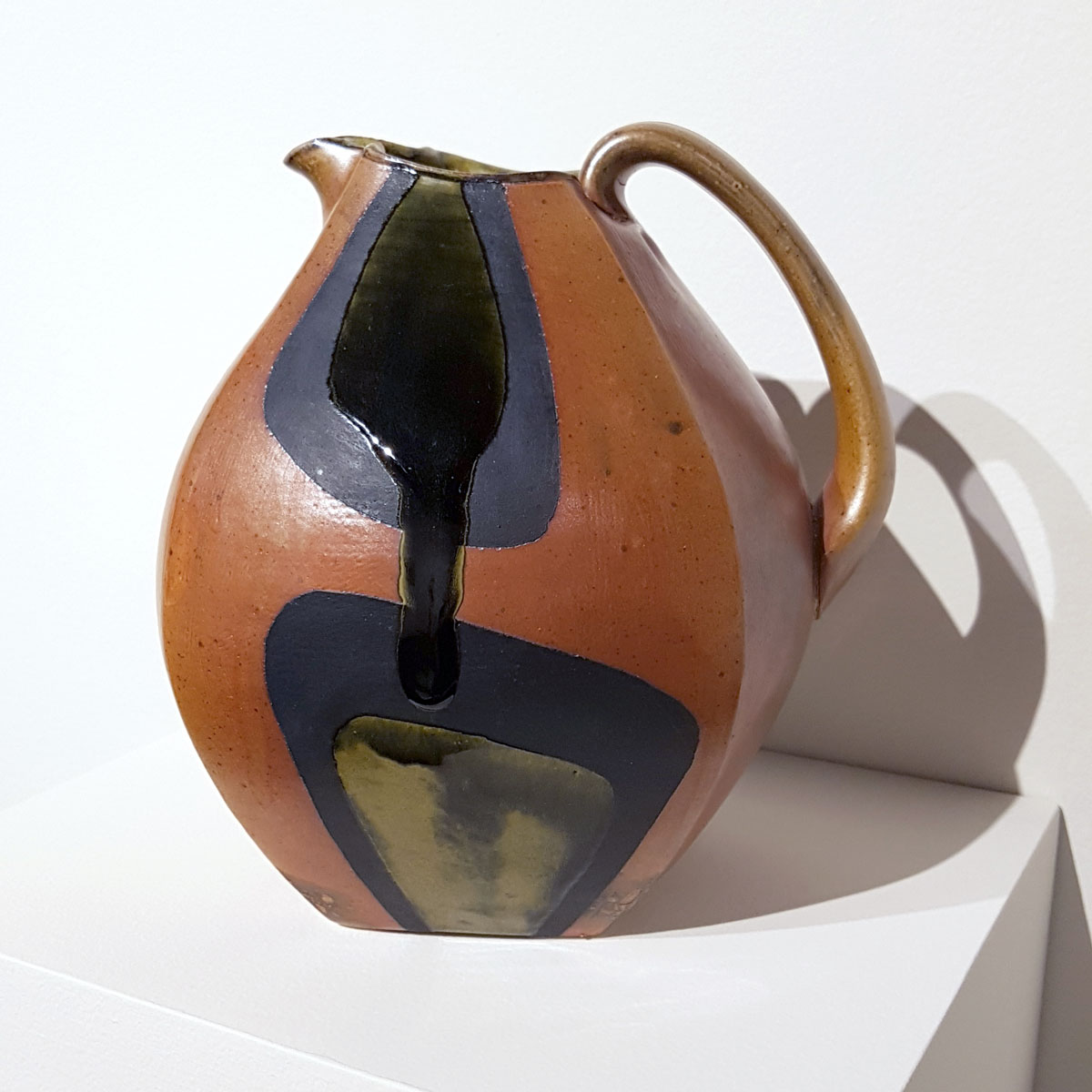 Ray Brown. Low Pitcher, 2018. Soda-fired stoneware, flashing slip, black underglaze, glaze. 2019 NJSE Merit Award. Photo by SP.