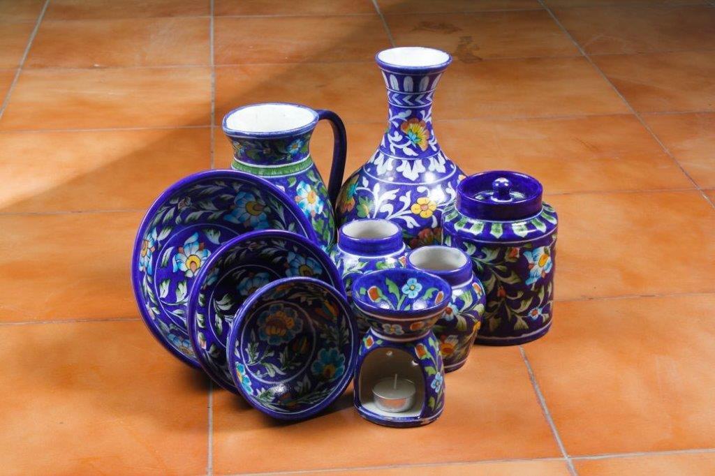 Neerja International. Table accessories ( tea light, bowl set, vase, jug).