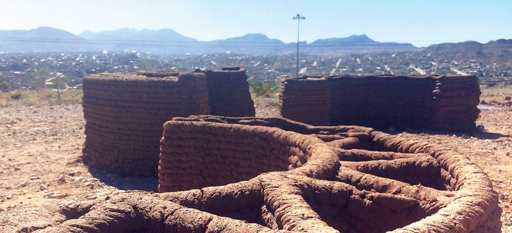 Ronald Rael and Virginia San Fratello, large-scale 3D-printed adobe, El Paso-Juárez border, 2019. Photo by artist.