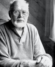 Warren MacKenzie, photographed by Gerry Williams, 1990.