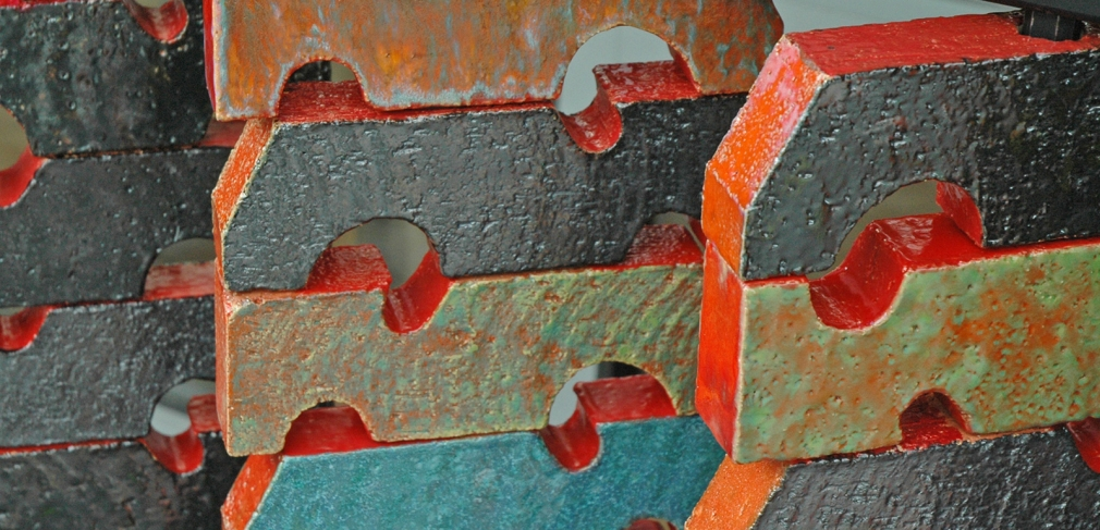 Susan Tunick and Christine Jetten. Threaded Bricks (detail) 2014. Extruded, glazed bricks on a steel frame, 90 x 39 x 2 in. Photograph by author.